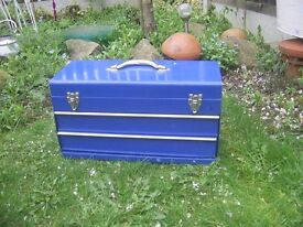 Job lot, Toolbox/tool trolley/2 metal boxes/2 plastic drill cases