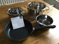 Siemens HZ390042 set of 4 stainless steel pans - brand new