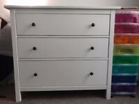 Lovely Hemnes Ikea chest of 3 drawers/storage - white - good condition