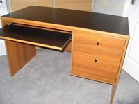 USED TRADITIONAL OFFICE DESK