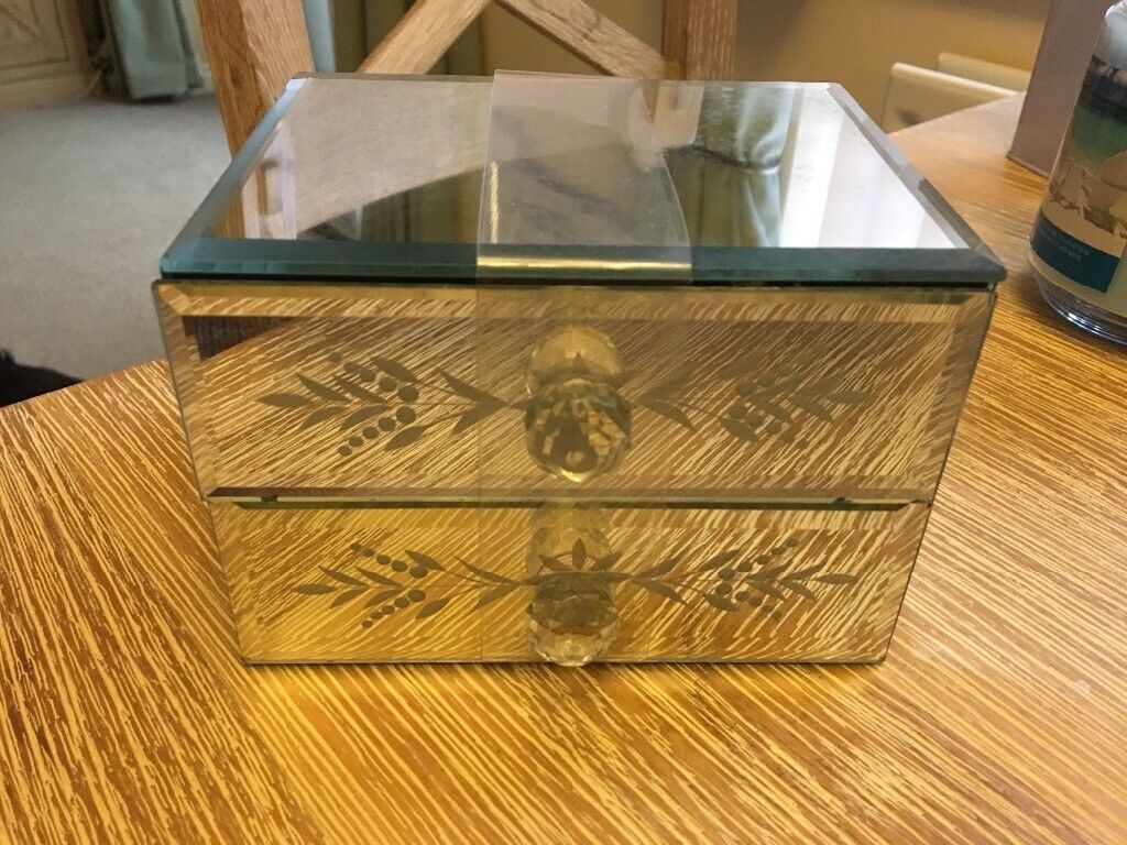 Two drawer jewellery box, in mirrored glass. NEW