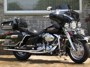 2002 harley-davidson FLHR Road King  $18,000 in Customizing and  London Ontario image 1