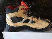 Boots safety 9.5
