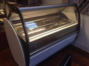 5 FEET GELATO DISPLAY FREEZER ( MINT CONDITION )