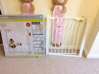 Lindam pressure safety gate - new never used