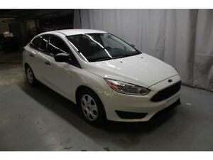 2015 Ford Focus S , SEULEMENT 27700KM WOW !!