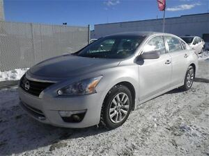 2015 Nissan Altima S | Bluetooth | Backup CAM | Clean Carproof!!