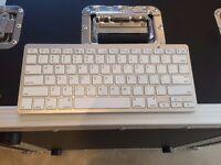 Bluetooth Keyboard suitable for iPad etc.