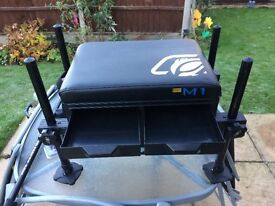 MADFISH M1 SEATBOX WITH ACCESSORIES