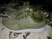 Ladies Nike trainers size 4