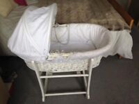 White JOHN LEWIS MOSES BASKET & ROCKING STAND in EXCELLENT condition + hood, mattress & sheets!