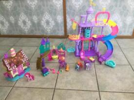 My Little pony play sets x 3 each with pony and accessories plus 2 extra ponies.
