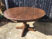 American extendable dining table £60