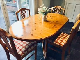 Ducal Pine Table & Chairs