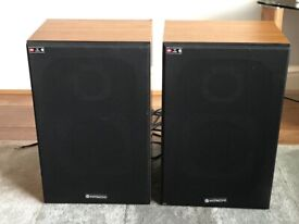 HITACHI SS 635 MRK2 STEREO 2 WAY HIFI SPEAKERS WITH CABLES - SOUND GREAT!!