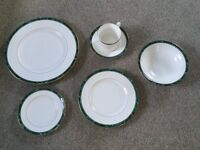 Royal Worcester Medici Green Dinner Service, 6 Settings