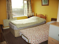 Paignton double-room. Also handy for Totnes & S Devon college