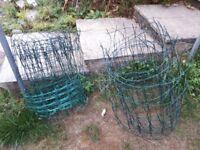 Mesh garden border fencing