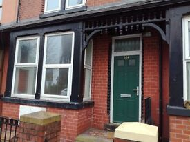 2 Bedroom 1st - Floor Flat - To Let Recently Modernised