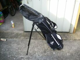 Dunlop golf carry bag with stand