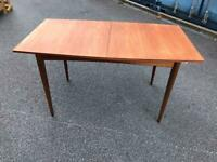 Macintosh extending dining table possible delivery