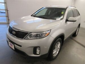 2015 Kia Sorento LX! ALLOYS! BLUETOOTH! HEATED SEATS! ONLY 53K!