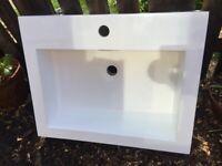 White square sink