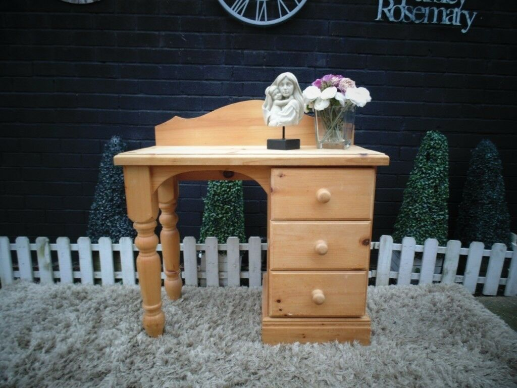 the best attitude 55dd3 2a2e5 ABSOLUTELY STUNNING SOLID PINE FARMHOUSE DRESSING TABLE WITH 3 DOVETAIL  DRAWERS | in Sherwood, Nottinghamshire | Gumtree