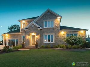 569 000$ - Maison 2 étages à vendre à Chicoutimi