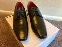 Men's Black smart shoes