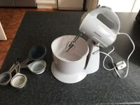 COOKWORKS FOOD MIXER AND MEASURING CUPS