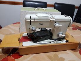 PFAFF 261 Sewing Machine - Recently Serviced