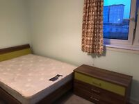 one of three bed room to let near heriot watt and napier