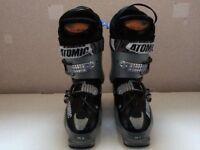 Ladies ski boots. Atomic size 6