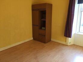 2 Double Bedroom Flat in Dunkeld Road
