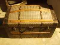 RUSTIC WOOD AND LEATHER CHEST IN RUSTIC CONDITION