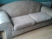 Super comfy large settee - FREE to a good home - Fishponds