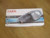 AEG AG6106WD Wet and Dry Cordless Handheld Vacuum Cleaner