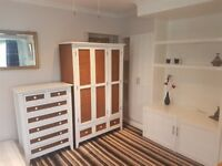 Studio large apartment with ensuite in Woodley