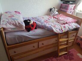Single bed kids cabinbed