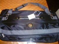 BNWT Constellation suit carrier with lock