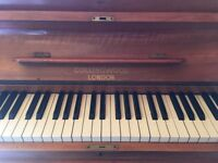 Upright piano (free)