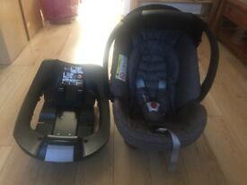 Mothercare Maine Car Seat and Isofix Base- Only used twice!