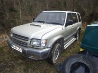 ISUZU TROOPER 3.0, BREAKING FOR SPARES BEFORE SCRAPPING.