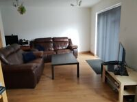single bed room room to rent in nice clean house