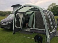 Outdoor Revolution Movelite T4 Lowline Driveaway awning with Carpet and Bedrooms
