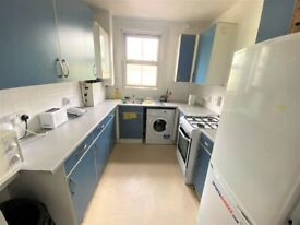 Excellent condition 3/ 4 Bedrooms HMO licensed flat in Bow --Company let welcome
