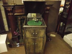 HIS MASTERS VOICE GRAMAPHONE