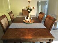 Solid wood 6 seater extendable table with chairs