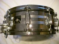 "Tama Imperial Star seamless steel snare drum 14 x 5 1/2"" - '80s - Roller strainer."